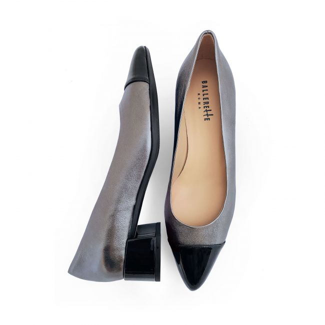 Bronze laminated leather ballet flats with patent toe