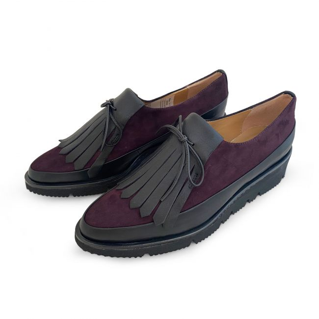 Burgundy Oxford shoes with rubber platform and fringe