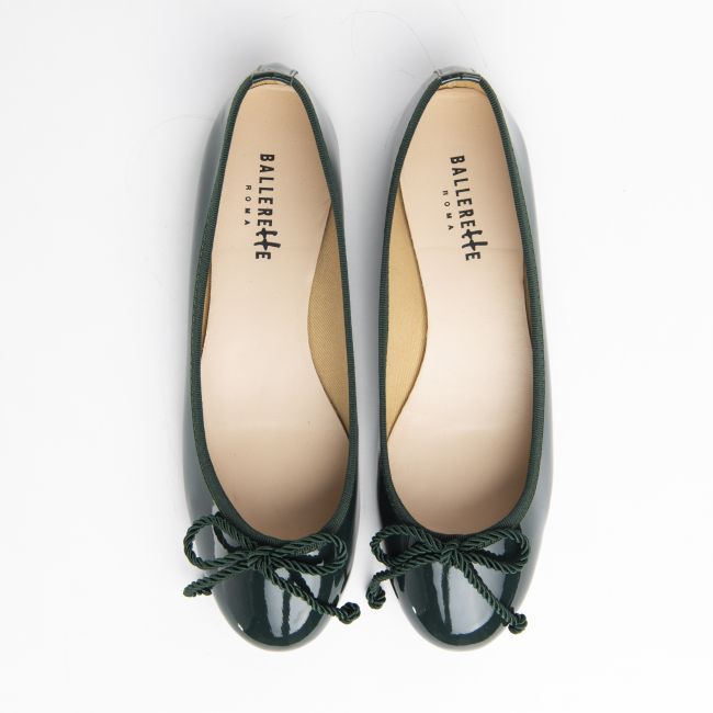 Bottle green patent leather ballet flats with bow