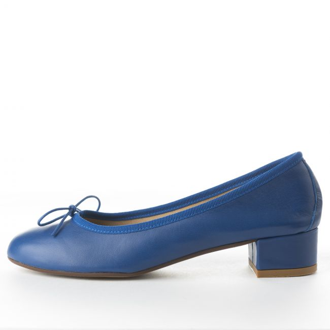 Royal blu leather medium heel ballet flats