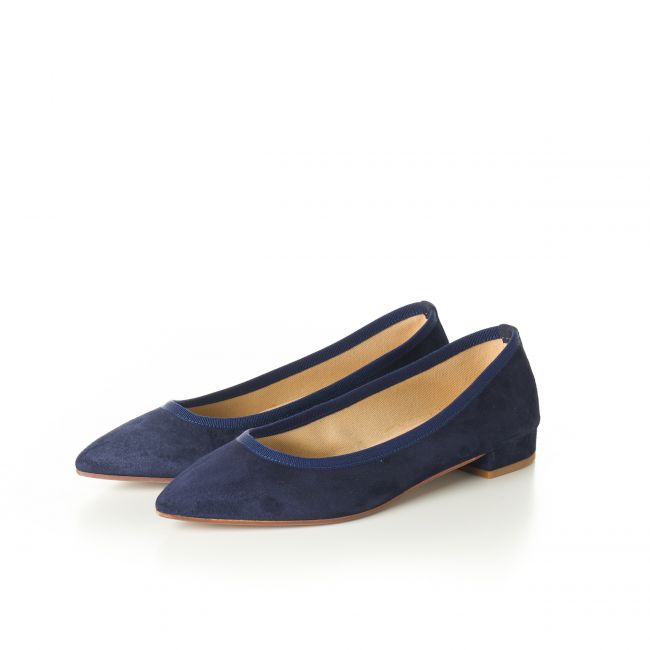 Blue pointed toe ballet flats