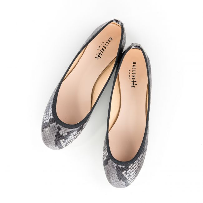 Snakeskin effect grey ballet flats