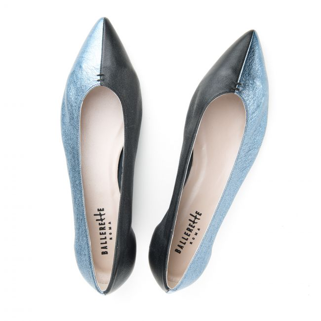 Pointed toe ballet flats in blue and black metallic leather