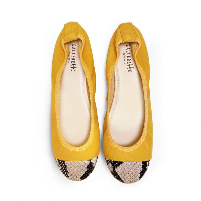 Mustard suede ballet flats with elastic and brown snakeskin effect toe