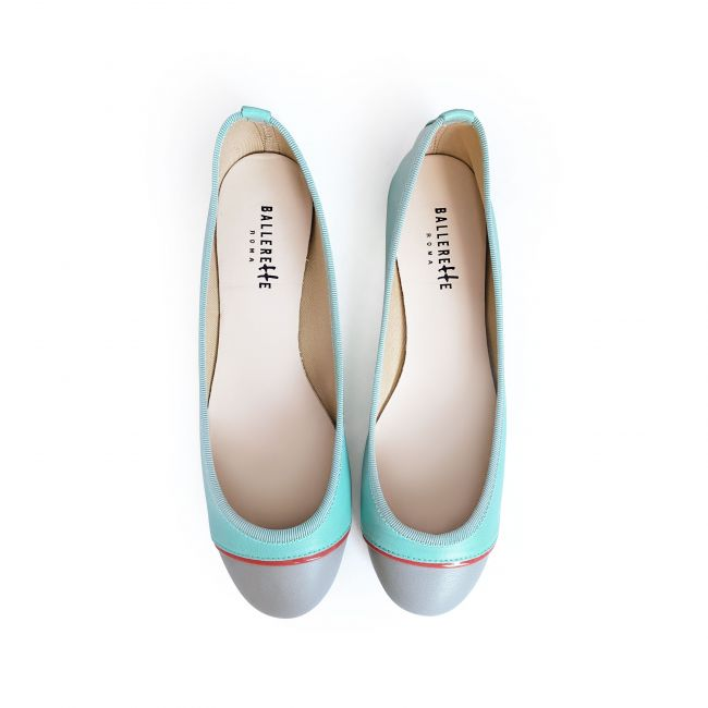 Tri-colored flats in light blue and gray leather and coral detail