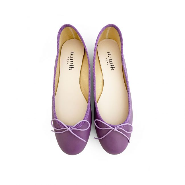Lilac leather ballet flats