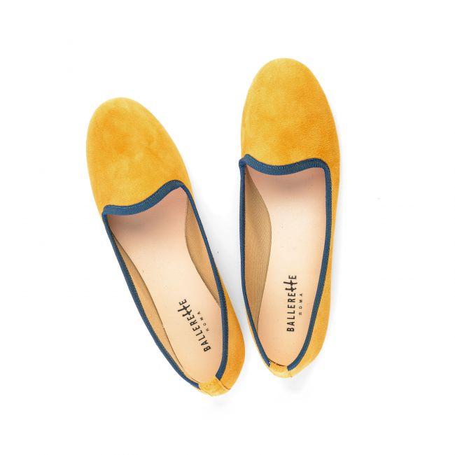 Slippers donna in camoscio giallo senape e gros grain blu